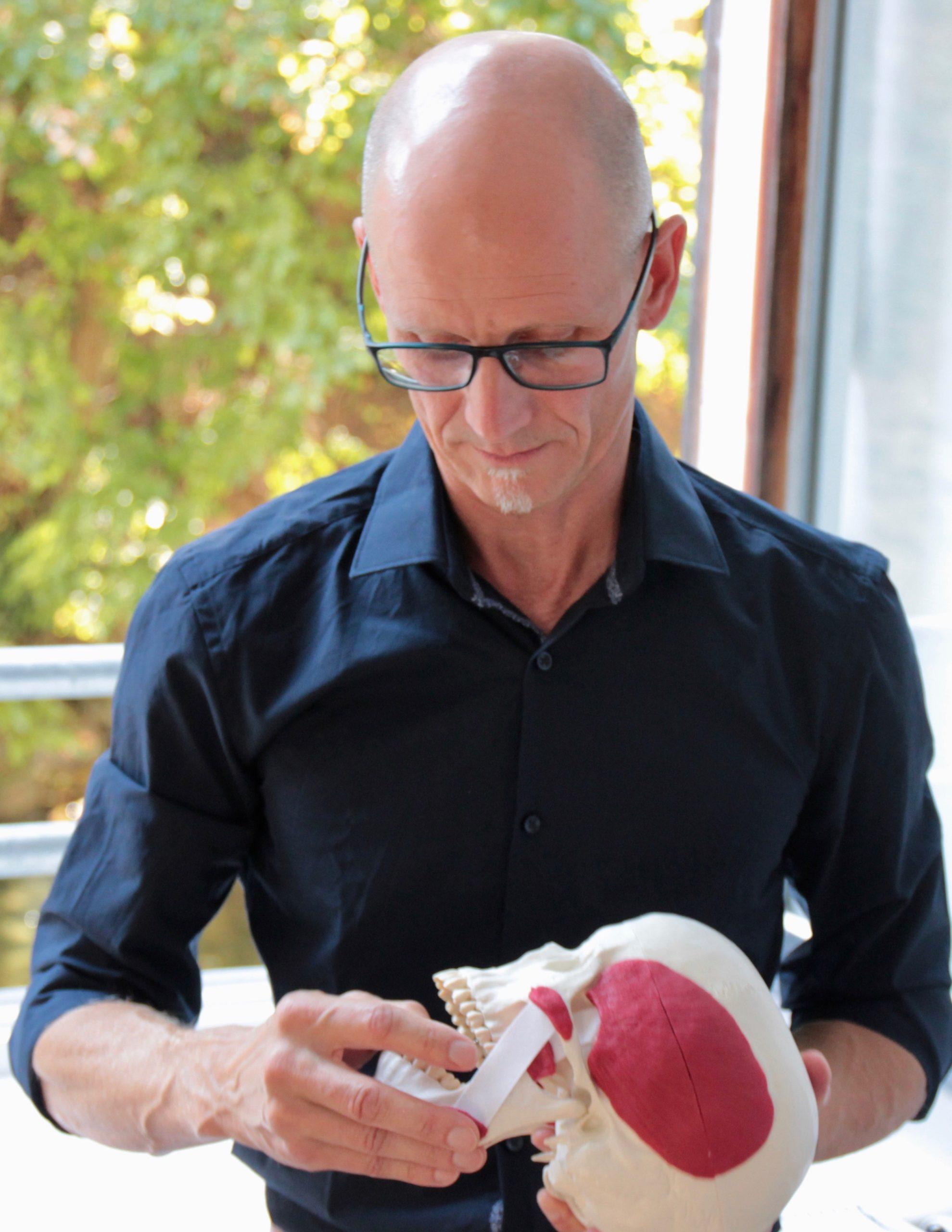 Heilpraktiker Uwe Rößler über CMD-Behandlung